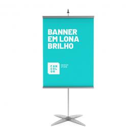 Banner em Lona Brilho 440 gr Lona Brilho 440 gr  4x0  Bastão, ponteira e corda.